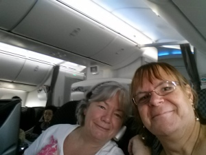 A very tired Lisa and Sifan on the DreamLiner - what an airplane!